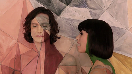 Still image from the video to Somebody That I Used To Know by Gotye featuring Kimbra