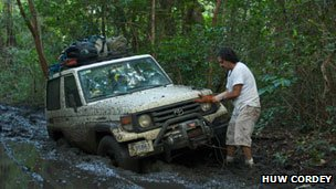 Huw Cordey, a 4x4 and a lot of mud