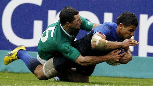 Wesley Fofana scores France's try against Ireland