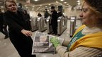 Free newspapers are handed out in Moscow (5 March 2012)