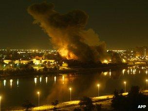 Mísseis atingiram a capital iraquiana, Bagdá, em 20 março de 2003