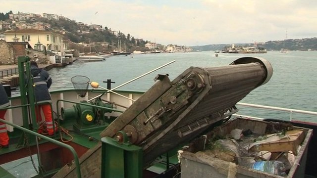 A boat used to clean up the Bosphorus