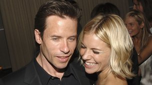 Guy Pearce and Sienna Miller