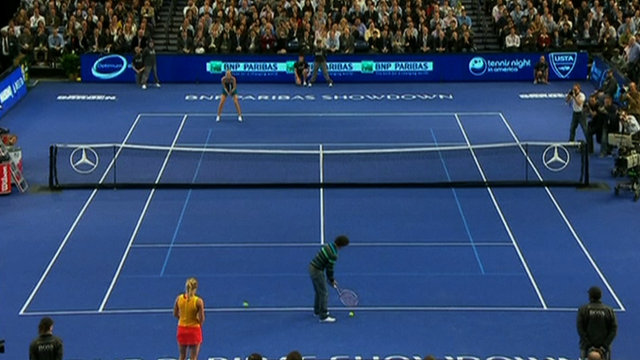 Rory McIlroy plays tennis against Maria Sharapova