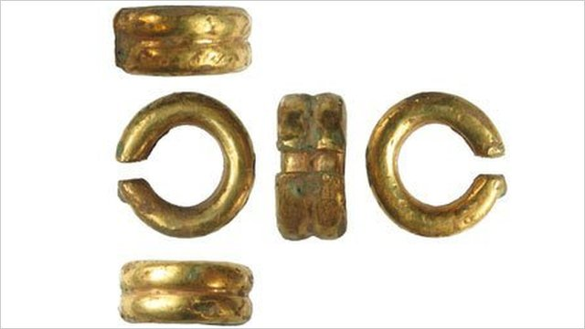 Pictures of the Bronze Age ring