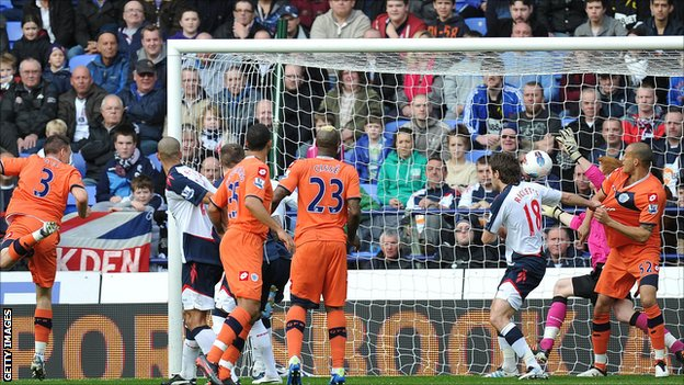 Clint Hill&#039;s disallowed header
