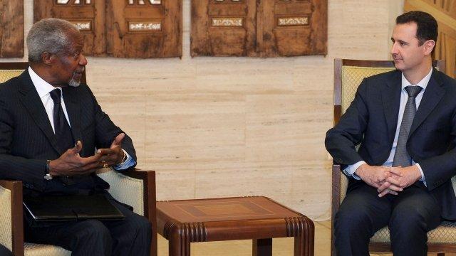 Kofi Annan (left) meets Syrian President Bashar al-Assad