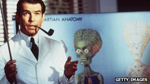 Pierce Brosnan in Mars Attacks!