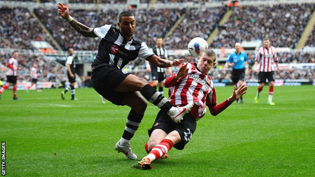 James McClean&#039;s late tackle on Danny Simpson