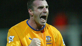 David Unsworth in action for Everton