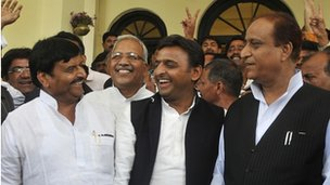 Akhilesh Yadav with senior party leaders