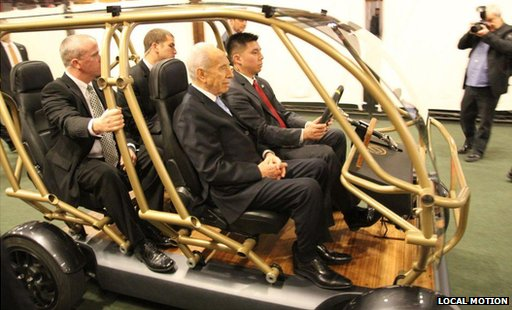 Israeli President Shimon Peres on board Local Motion&#039;s vehicle