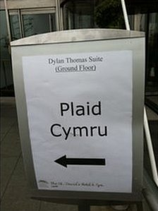 Plaid Sign