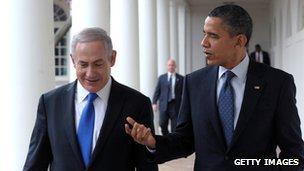 U.S. President Barack Obama (R) talks with Israeli Prime Minister Benjamin Netanyahu