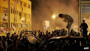 Anti-federalism protesters drove the rally from Freedom Square, Benghazi, witnesses said