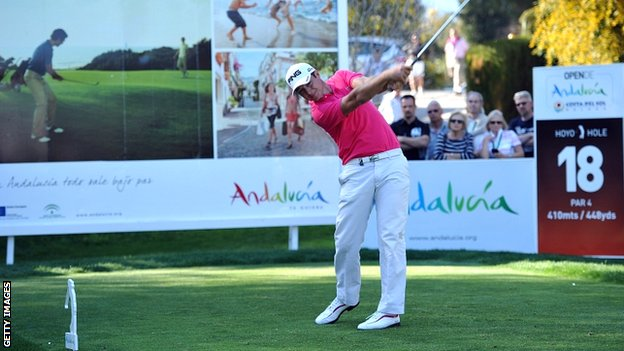 Julien Quesne drives on the final hole