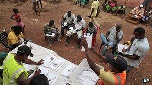 Monitors watch votes being counted in Bissau, Guinea-Bissau