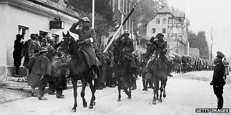 German troops enter Austria