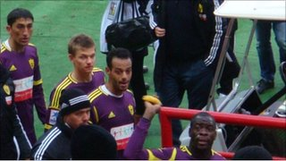 Samba throws the banana back into the crowd (photo courtesy of Sovsport.ru)