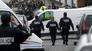Police at the Ozar Hatorah school, Toulouse (19 March)