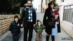Rabbi Jonathan Sandler and his family