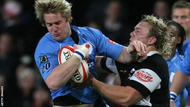 Gerrit-Jan van Velze (left) playing for Blue Bulls