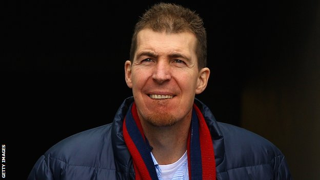 Jim Stynes played minor gaelic football for Dublin before starting his AFL career