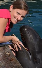 Laura Kloepper with Kina the false killer whale