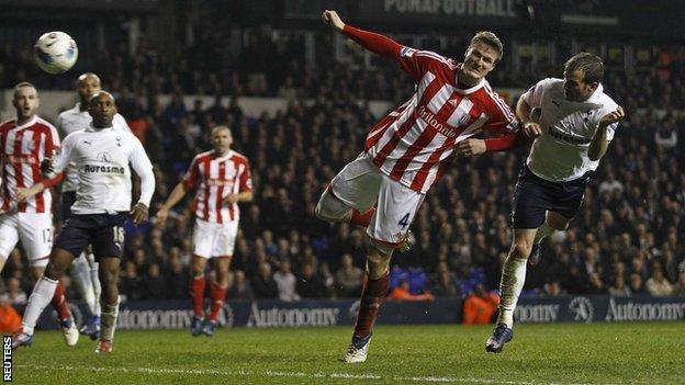 Rafael van der Vaart scores Spurs' equaliser