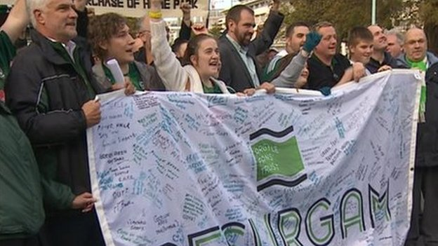 Argyle Fans celebrate Plymouth City Council's decision to buy Home Park