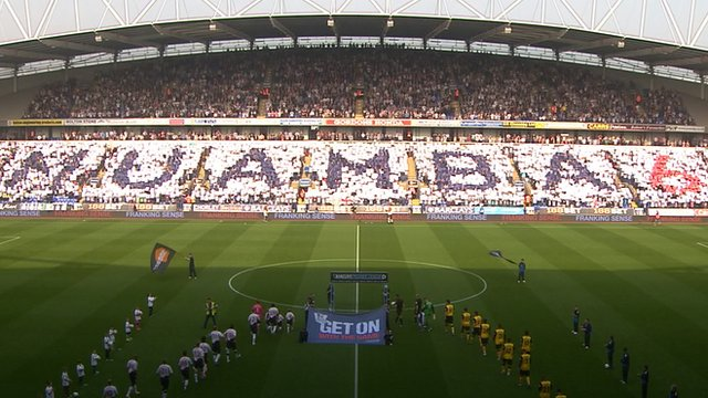 Bolton&#039;s pre-match Muamba tribute