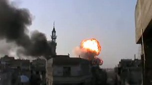 Youtube grab of shelling in the Khalidiya district of Homs, 24 Mar 2012