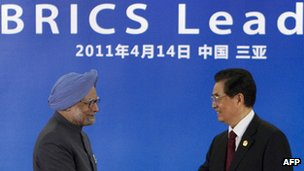 Indian Prime Minister Manmohan Singh (left) and Chinese President Hu Jintao (right) at April 2011 Brics summit in China
