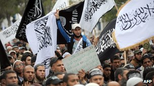 Tunisian Salafists stage a demonstration request the application of Islamic law in the new constitution (image from 25 March 2012)