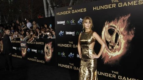 Jennifer Lawrence plays Katniss Everdeen