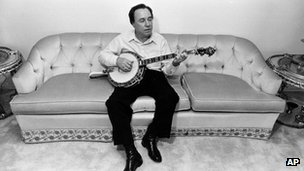 Earl Scruggs in 1982