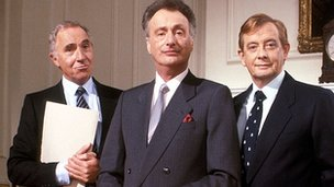 Nigel Hawthorne, Paul Eddington and Derek Fowlds in Yes, Prime Minister
