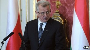 Hungarian President Pal Schmitt at the Maria Theresia Hall of the presidential palace in Budapest, 22 March 2012