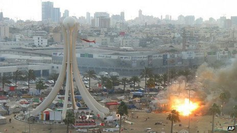 Picture of Pearl Roundabout after raid by security forces (16 March 2011)