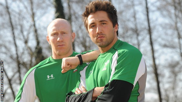 Tom Shanklin and Gavin Henson in 2009