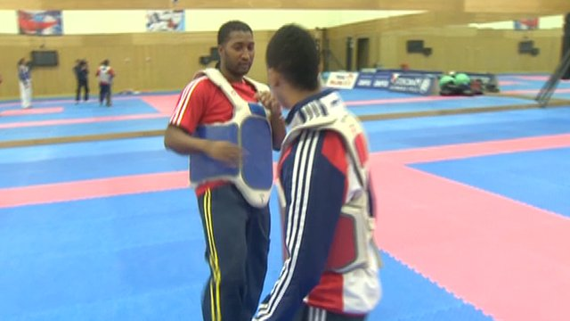 Dekan Apajee doing taekwondo training