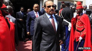 Mohamed Ould Abdelaziz in Senegal, 2 April 2012