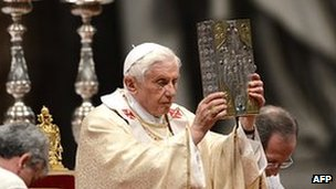 Pope Benedict XVI (C) leads Chrismal mass on Holy Thursday on 5 April 2012 at St Peter&#039;s basilica at the Vatican