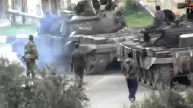 Tanks in Homs