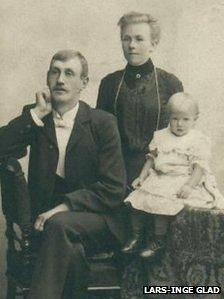 Alma and Nils Pålsson with Stina Viola