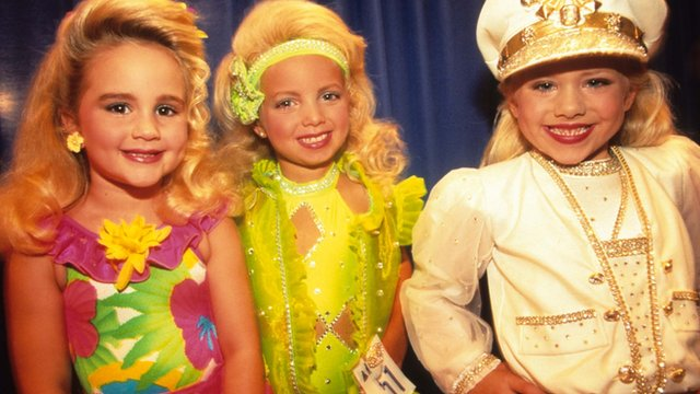 Child beauty pageant contestants in the US
