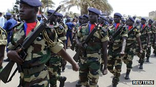 Senegalese soldiers arrive at the inauguration of newly elected Senegalese President Macky Sall in the capital Dakar, 2 April 2012