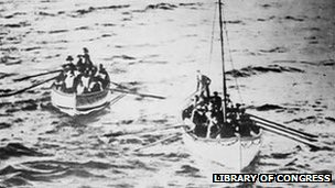 Lifeboats carrying Titanic passengers approaching the SS Carpathia