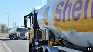 Tanker drivers return to work after a strike in March 2012