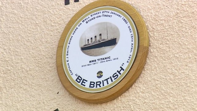 A plaque commemorating the captain of the Titanic has been unveiled in Hanley, Stoke-on-Trent